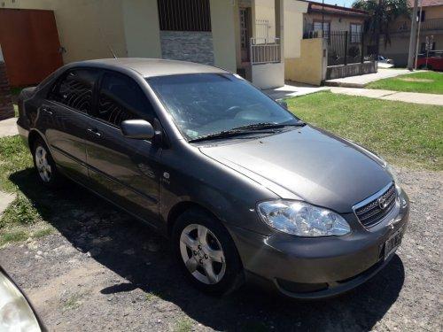 Vendo Toyota Corolla 2005, escucho ofertas, estado excelente