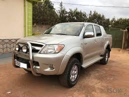 Dueño vende camioneta Toyota Hilux, mod 2008 con papeles al día