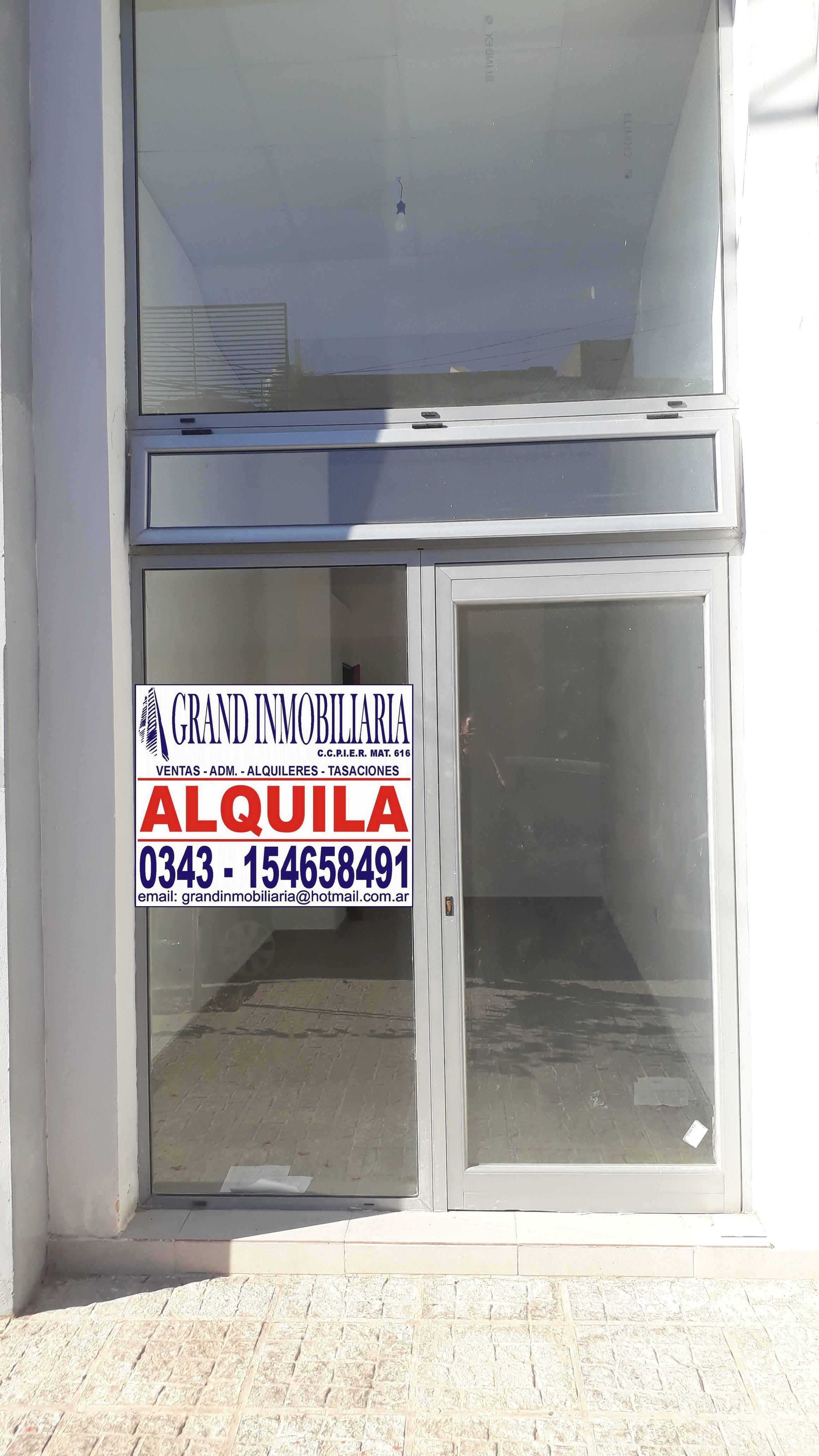 ALQUILO Local en calle Victoria casi Corrientes