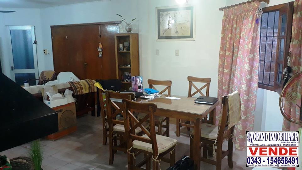 VENDO Casa 3 Dormitorios - Muy linda