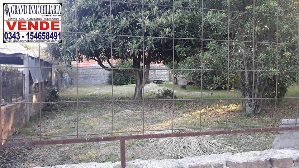 VENDO Terreno de 10 X 30 en calle Castañeda
