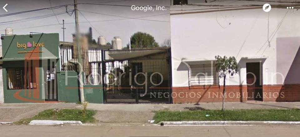 VENDO. CASA CON LOCAL EN AV. LAS HERAS Nº 682. CONCORDIA, E.R.