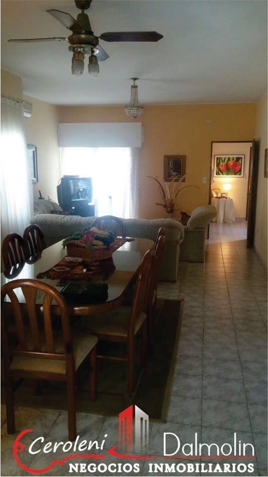VENDO. Casa en calle Estrada al 450. Concordia, Entre Ríos.