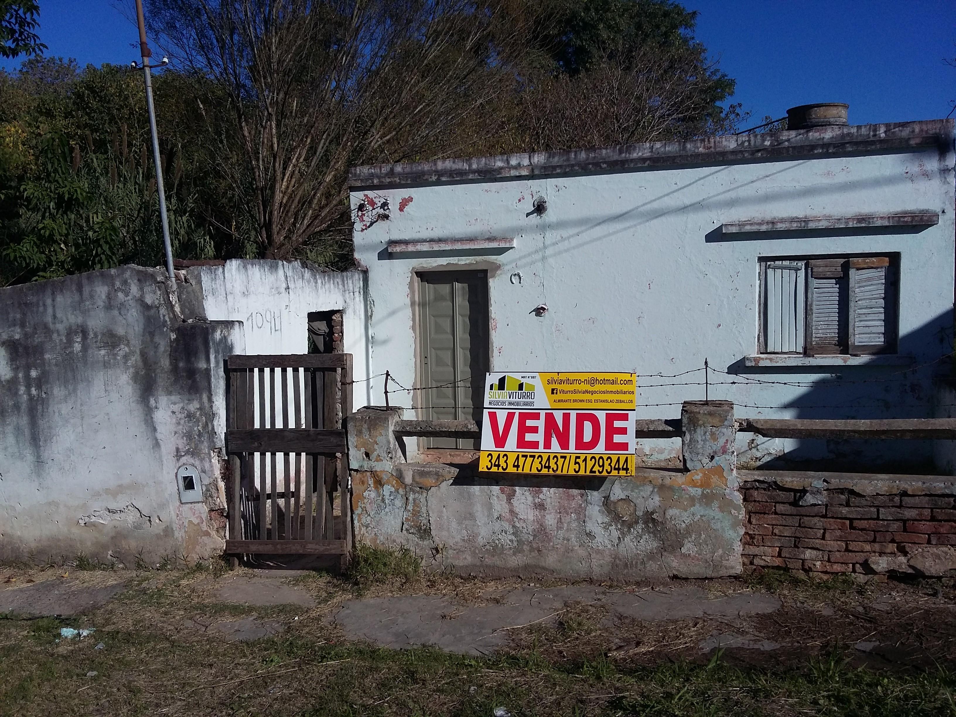 SE LIQUIDA  $350.000 (casa precaria calle Vte Zapata y Diaz V)