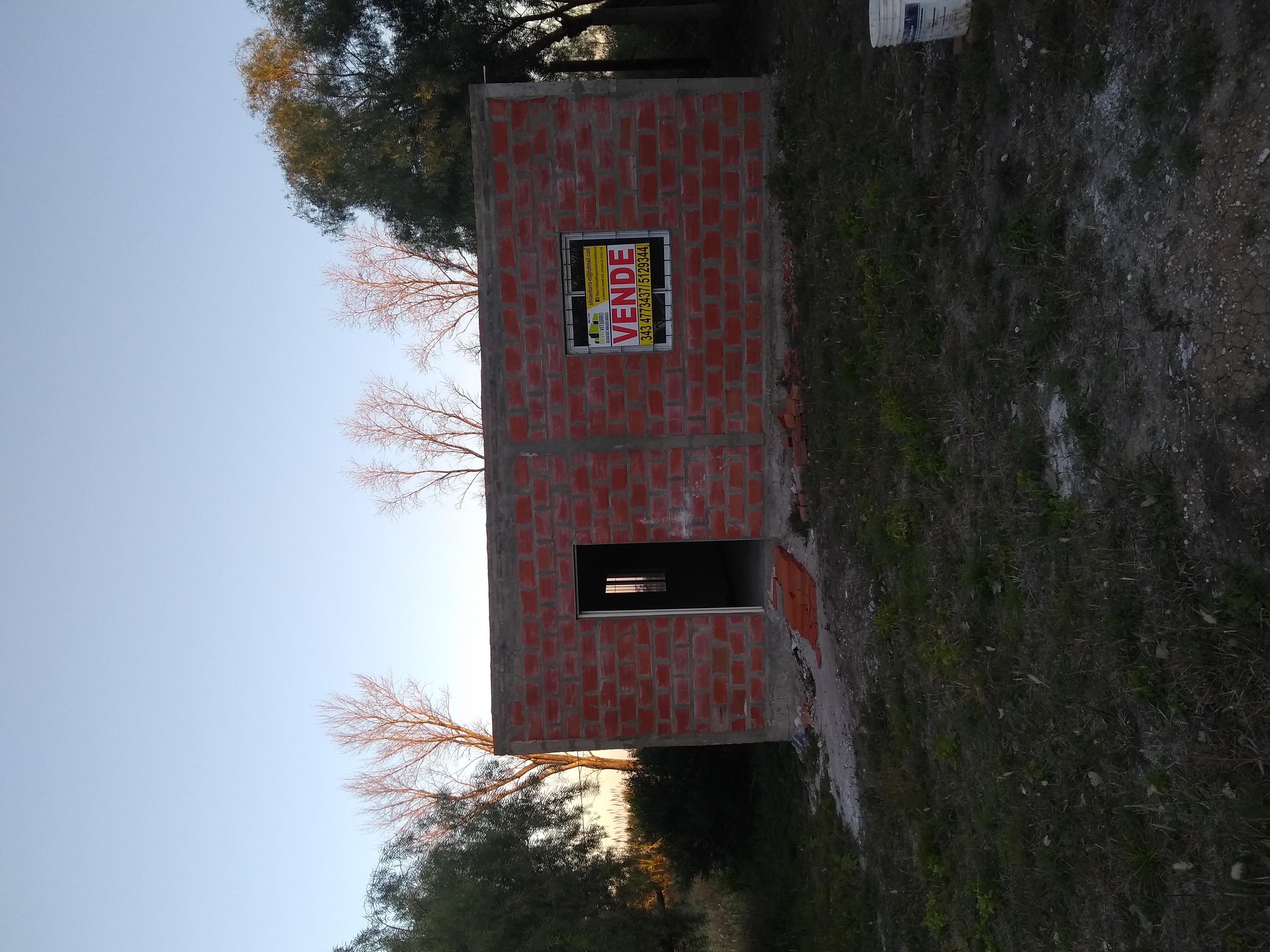 SE VENDE LOTE CON UNA CONSTRUCCIÓN!! A pocos km de Maria Luisa