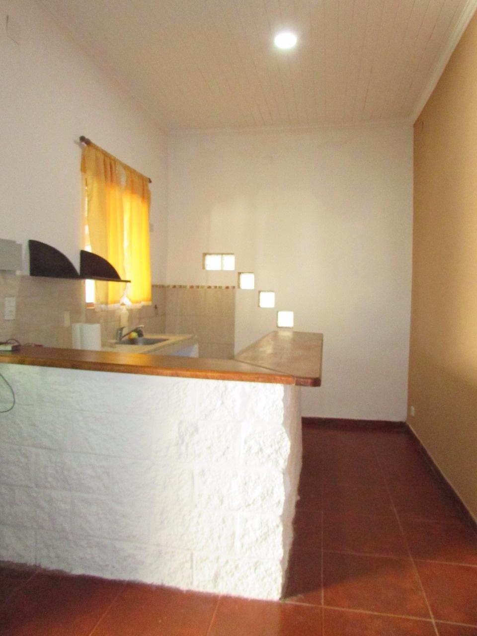 Casa estilo colonial sobre Baez 2 dormitorios!